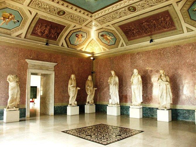 sala statue