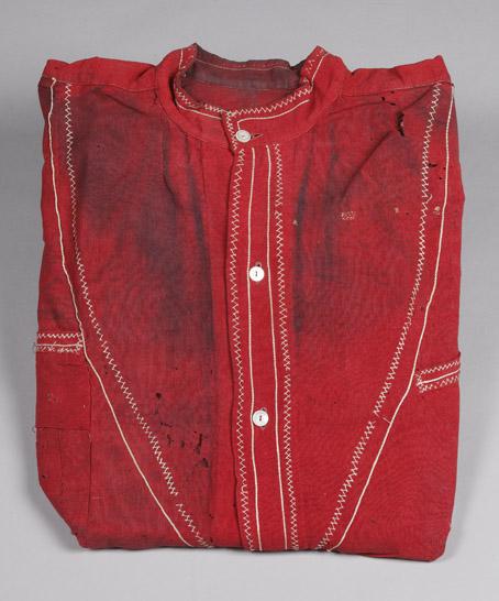 Camicia rossa garibaldina (con ogni probabilità si tratta della camicia indossata da Tanara durante la battaglia di Bezzecca - 1866)